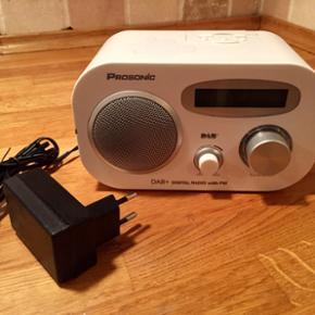 Panasonic DAB+ radio. Virker som den ska - Aalborg  - Panasonic DAB+ radio. Virker som den skal. Ren, pæn og uden skrammer. Fungerer med stik og batterier. Højtalere kan tilsluttes med Jackstik. - Aalborg