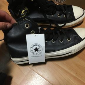 Converse sko fra Thailand, det er en æg - Aalborg  - Converse sko fra Thailand, det er en ægte converse som er købt i Thailand Aldrig været brugt i størrelse 38,5 - Aalborg