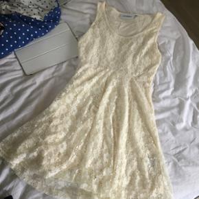 Rå hvid blonde kjole Str XS Aldrig brug - Rønne - Rå hvid blonde kjole Str XS Aldrig brugt - Rønne