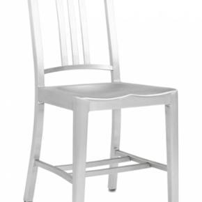 """Jeg har 8 af disse """"navy chair"""" stole fr - København - Jeg har 8 af disse """"navy chair"""" stole fra emeco"""", de koster ca. 5.000,00 stk. fra nye, de har brugsspor men kan nemt slibes så de ser nye ud, de er håndlavede i aluminium, så der er ikke 2 som er helt ens, jeg har sat stk. pris, men BYD en - København"""