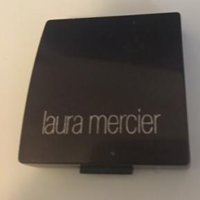 """Laura Mercier eyeliner. Den er """"fedtet""""  - København - Laura Mercier eyeliner. Den er """"fedtet"""" så fungere godt med en eyeliner brush. Meget ubrugt :) NP: 230kr - København"""