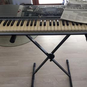 Keyboard. Fungere fint. Med brugsanvisni - Esbjerg - Keyboard. Fungere fint. Med brugsanvisning og stativ. - Esbjerg
