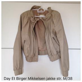 Skindjakke fra Day et Birger Mikkelsen s - København - Skindjakke fra Day et Birger Mikkelsen str. M/38 Nypris 2000,- - København