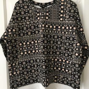 Sweatshirt fra HM, str L men passer fint - København - Sweatshirt fra HM, str L men passer fint en str 44/46. Brugt meget lidt - København