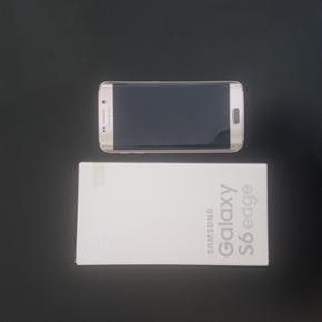 Samsung Galaxy S6 Edge 32 gb - en enkelt - Aalborg  - Samsung Galaxy S6 Edge 32 gb - en enkelt skade på bagsiden men ingen hul eller funktions problemer! Fast charger medfølger ikke! - Aalborg