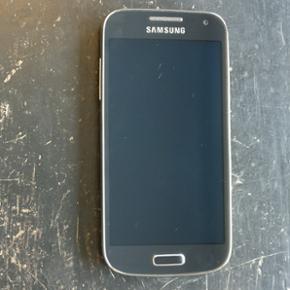 Samsung Galaxy S4 Mini 8G. Ikke simlåst - Hillerød - Samsung Galaxy S4 Mini 8G. Ikke simlåst. Er afprøvet men aldrig taget i brug. Telefonen er fra februar 2015. Kvittering haves. Sendes mod betaling eller kan afhentes i Græsted eller på Østerbro. - Hillerød