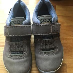 Kids shoes Size 28,come with price - København - Kids shoes Size 28,come with price - København