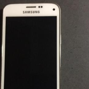 Samsung Galaxy S5 mini i hvid 2 år gamm - Odense - Samsung Galaxy S5 mini i hvid 2 år gammel, men fejler ikke nået. - Odense