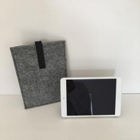 IPad mini 2 16 GB wifi sølv iPad mini s - Næstved - IPad mini 2 16 GB wifi sølv iPad mini smart cover light grey Filtcover Pris ialt: 2518 Købt august-15 men kun brugt et halvt års tid og har derefter ikke været brugt. Prisen er fast! - Næstved
