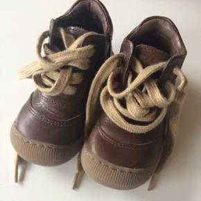 Flotte, unisex sko fra Pom Pom i str. 21 - Viborg - Flotte, unisex sko fra Pom Pom i str. 21. Næsten ikke brugt - som nye. - Viborg