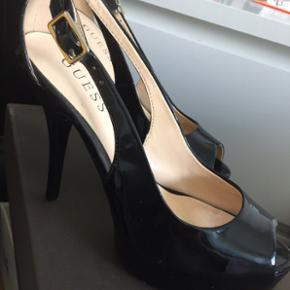 Guess stilettos, used only couple of tim - København - Guess stilettos, used only couple of times, like brand new, black shiny leather - København