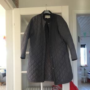 Barbaras Choice jakke grå - str XL Fejl - Esbjerg - Barbaras Choice jakke grå - str XL Fejler ingenting! 400kr. Afhentes 6700 - har mobilepay. SENDER IKKE! - Esbjerg