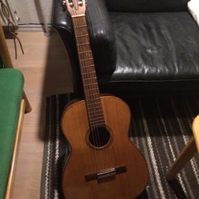 Guitar til salg. Brugt, men stadig flot  - Aalborg  - Guitar til salg. Brugt, men stadig flot og vedligeholdt. (Mærket er ukendt, fordi det faldt af engang) - Aalborg