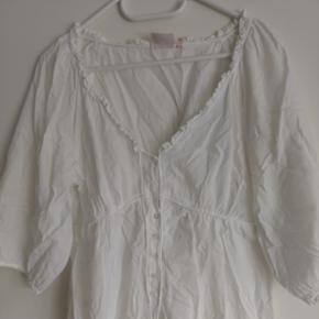 Jackpot hvid bluse med rynke lige under  - Århus - Jackpot hvid bluse med rynke lige under barmen - Århus