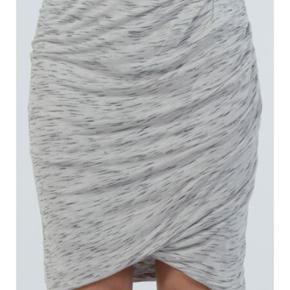 Six Ames - cool draperet nederdel fra Si - Århus - Six Ames - cool draperet nederdel fra Six Ames. I super stand. - Århus