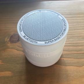 Lille men effektiv Bluetooth højtaler.  - Århus - Lille men effektiv Bluetooth højtaler. Kan styres både fra mobilen og på selve højtaleren - Århus