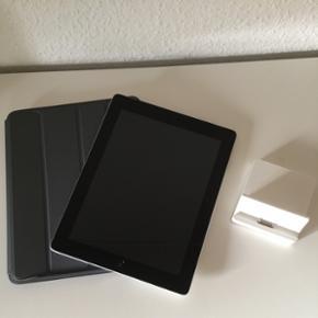 Apple iPad 3 64 GB Wi-Fi plus Sim Kort I - Aalborg  - Apple iPad 3 64 GB Wi-Fi plus Sim Kort Ipaden er 3rd generation dvs. Den der udkom efter iPad 2. Ipaden er rigtig god stand. Står uden ridser i skærmen eller bagcoveret. Den er fuldstændig renset og med nyeste software opdatering. Direkte kl - Aalborg