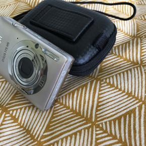 Kamera - Canon IXUS 115 HS Lille lækker - Odense - Kamera - Canon IXUS 115 HS Lille lækkert digitalkamera. Fungerer perfekt. Sælges med original emballage og tilbehør. Der følger ikke hukommelseskort med. Beskyttelsen gør det ideelt til ferier. Jeg har selv brugt det meget på udlandsrejser. - Odense