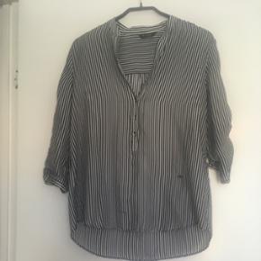 Skjorte i silke købt på Mallorca Str.  - Aalborg  - Skjorte i silke købt på Mallorca Str. 38 - Aalborg