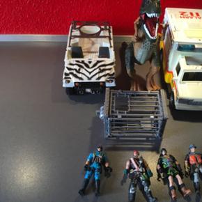 Soldier Force. Safari jeep, kæmpe dino  - Esbjerg - Soldier Force. Safari jeep, kæmpe dino med lyd, bur,4 mænd, ambulanze med lyd og lys, sammenklappelig bårre med drop, hjertestarter og stetoskop. Fine gamle tetroting i god stand - Esbjerg