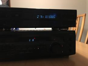 Kenwood cd afspiller og Sony forstærker - Kolding - Kenwood cd afspiller og Sony forstærker har forbrugs ridser men spiller fint bass boost knappen har sat sig så den er altid på. Står i Kolding - Kolding