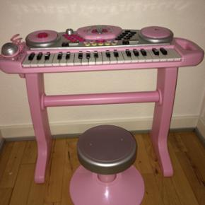 Keyboard med mikrofon og stol - Randers - Keyboard med mikrofon og stol - Randers