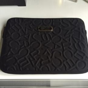 Marc jacobs iPad cover, aldrig brugt. Ny - Odense - Marc jacobs iPad cover, aldrig brugt. Nypris 550kr - Odense
