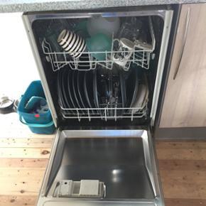 Siemens integreret opvaskemaskine. Kan i - Herning - Siemens integreret opvaskemaskine. Kan ikke finde modelnr. Udskiftes grundet nyt køkken. Byd - Herning