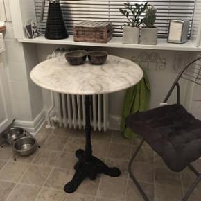Marmor bord. 60 cm i Ø - højde 70 cm.  - Esbjerg - Marmor bord. 60 cm i Ø - højde 70 cm. RESERVERET! - Esbjerg