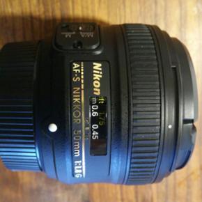 AF-S nikkor nikon 50mm makro objektiv. E - Århus - AF-S nikkor nikon 50mm makro objektiv. Er sprit nyt. Maksimal taget 30 billeder. - Århus