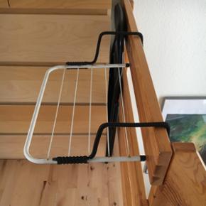 Altantørrestativ Et smart lille tørres - Silkeborg - Altantørrestativ Et smart lille tørrestativ til altanen eller døren super hvis man bor i lejlighed eller ikke har så meget plads
