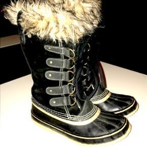 SOREL støvler model Joan og ARTIC str 3 - Århus - SOREL støvler model Joan og ARTIC str 38,5 brugt max 10 gange, købt lidt for store desværre. Nypris 1595 - Århus
