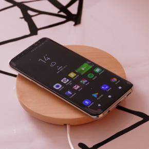 Samsung Galaxy S8 Arctic Silver (64 GB)  - Århus - Samsung Galaxy S8 Arctic Silver (64 GB) - 100% uden én eneste skramme Købt 13 Aug 2017 fra CallMe Orig kvittering, emballage og tilbehør haves inkl de populære AKG headset EKSTRA tilbehør: Gear VR, trådløs oplader, 8 GB hukommelseskort, TP - Århus