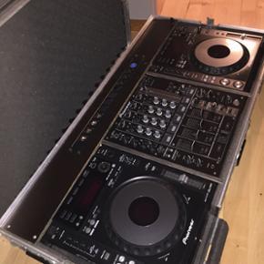 DJ pult med flightcase....BYD ! Nypris o - Odense - DJ pult med flightcase....BYD ! Nypris over 20.000,- - Odense