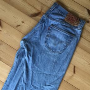 Levis jeans 501, str w33l32, aldrig brug - Århus - Levis jeans 501, str w33l32, aldrig brugt. Desværre købt i en forkert str. Kan sendes eller hentes i århus - Århus