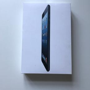 IPad mini 1 WiFi 32 GB + cellular Farve  - København - IPad mini 1 WiFi 32 GB + cellular Farve : Black Pænt og velholdt iPad mini 1 sælges. Da den ikke har været brugt særlig meget. Fungere upåklageligt og holder ganske fint strøm. Original Apple case, kan medfølge i handlen, hvis ønskes. - København