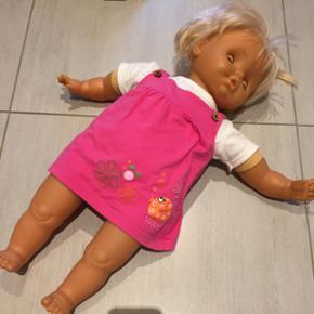 Skøn dukke i stor som passer str 68 bø - Skanderborg - Skøn dukke i stor som passer str 68 børnetøj. 62 cm meget fin. Afh i Hørning - Skanderborg