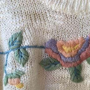 Cute, vintage embroided pullover. - København - Cute, vintage embroided pullover. - København
