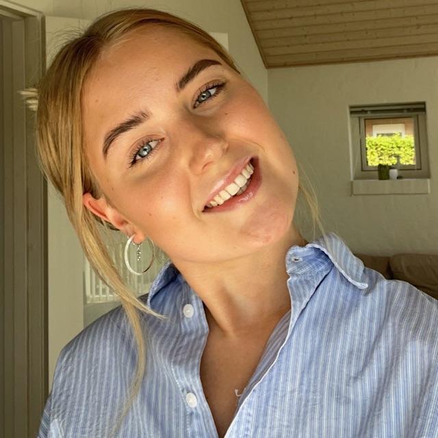 Caroline  Henriksen