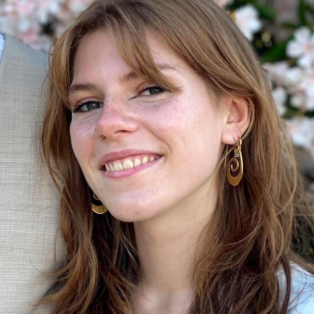 Nana Olivia Vind