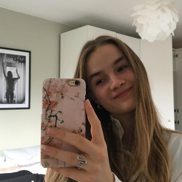 Vanessa Simons
