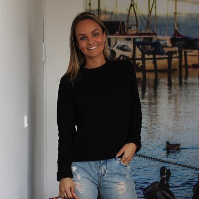 Sandra  S