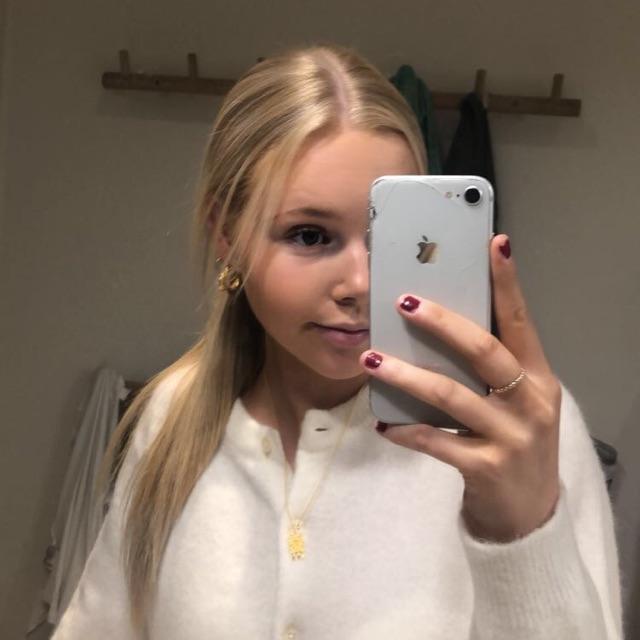 Mia Hallas