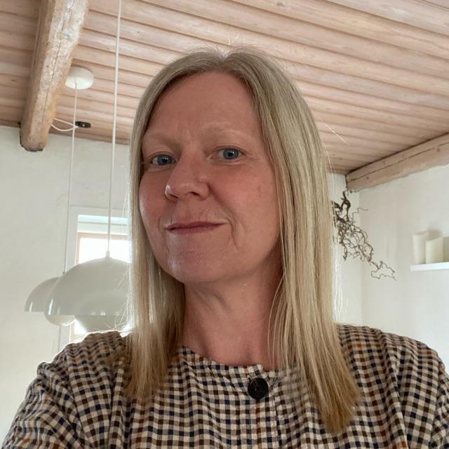 Helle Jacobsen
