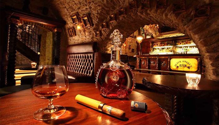7 best bars in prague transferwise for Medieval hotel prague