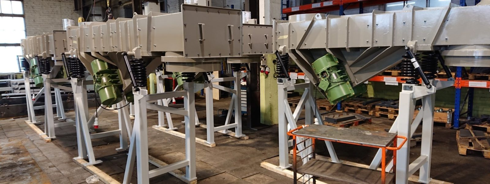 Vibration feeders and conveyors