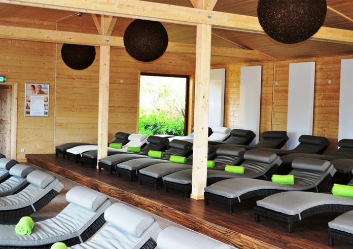 sachsen therme sauna schwimmbad und saunen. Black Bedroom Furniture Sets. Home Design Ideas