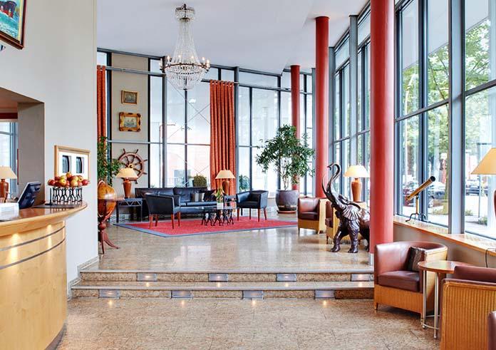 und hanseatische eleganz in der perle am hafen 4 hotel hafen hamburg. Black Bedroom Furniture Sets. Home Design Ideas