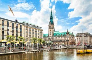 Cityreise mit Schiffsfahrt durch das imposante Hamburger Hafengebiet