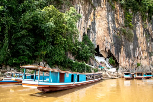 Boats to the Pak Ou caves